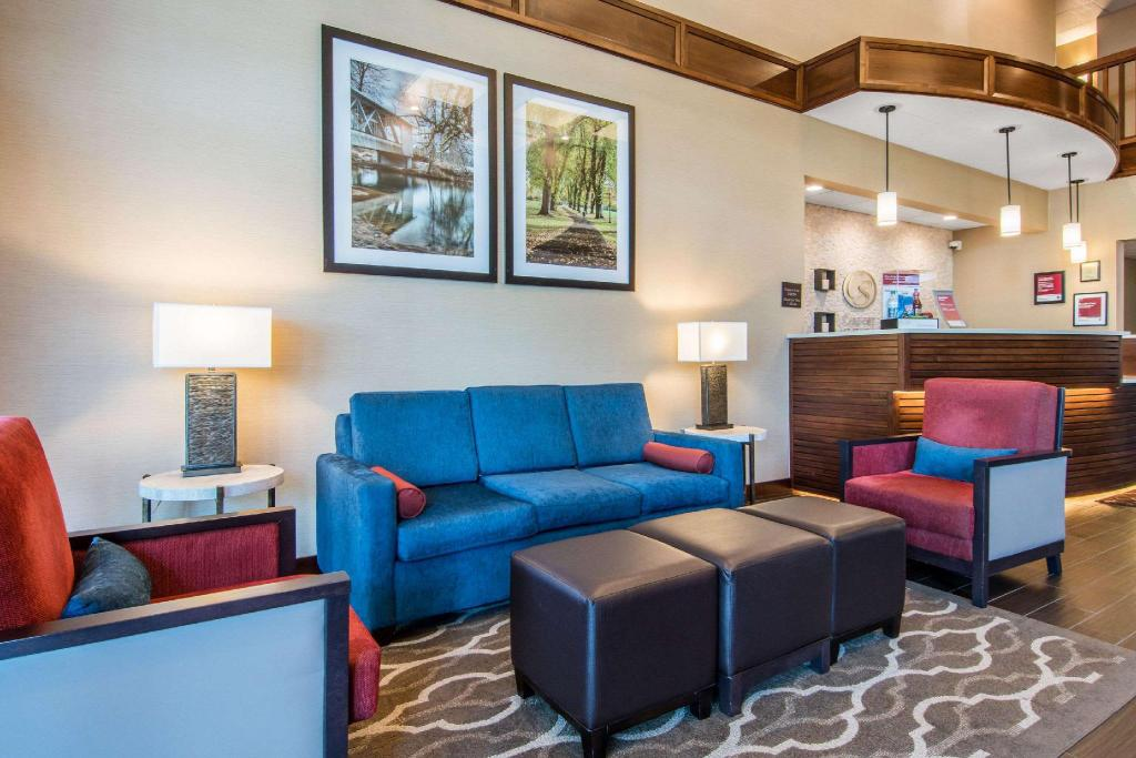 Lobby Comfort Suites Linn County Fairground and Expo