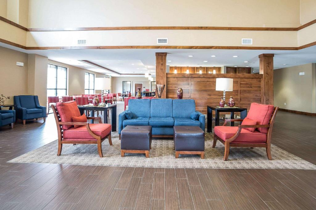 Lobby Comfort Suites Moab near Arches National Park