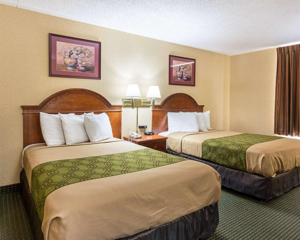 2 Double Beds, Nonsmoking, Accessible - Suite room
