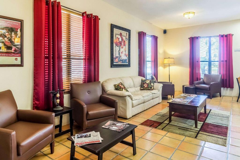 Clarion Inn & Suites at Sharyland Plantation, Mission (TX ...