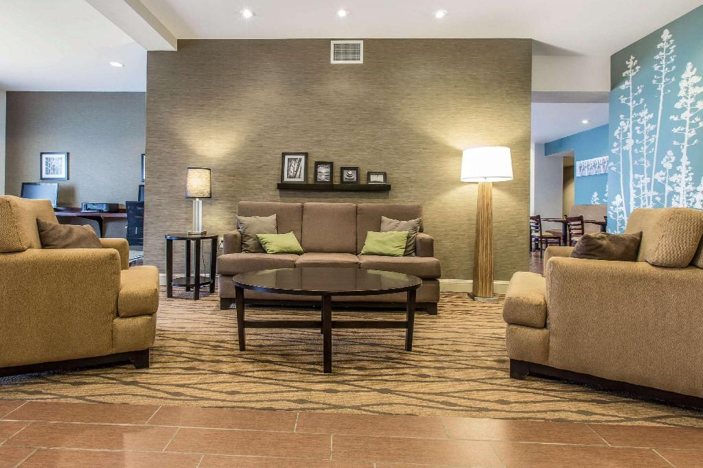 Lobby Sleep Inn and Suites
