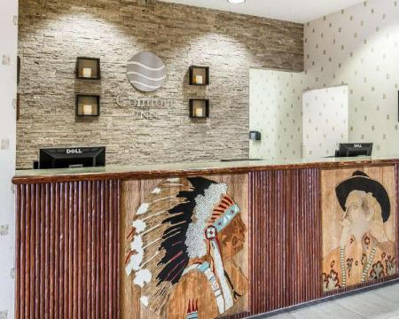 Лобби Comfort Inn at Buffalo Bill Village Resort