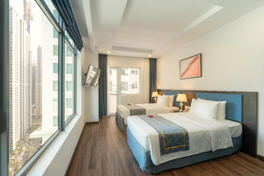 Deluxe City View Double or Twin - Bed Paralia Hotel Nha Trang
