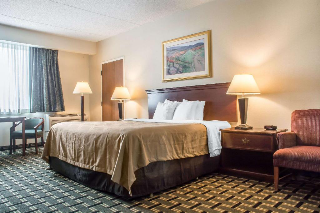 Quality Inn and Suites Palm Island Indoor Waterpark in ...