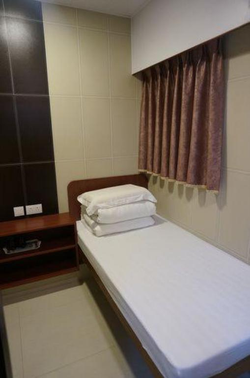1 Single Bed NEW PRINCE HOTEL