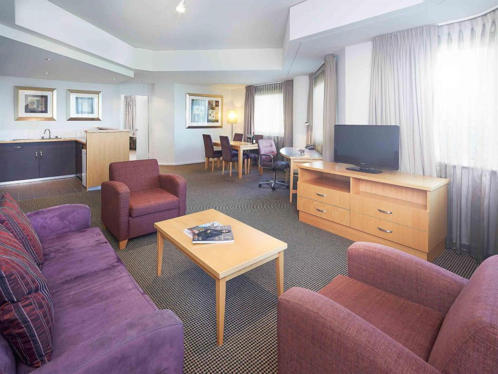 Interior view Novotel Langley Perth Hotel