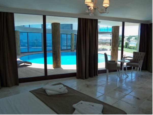 Doppelzimmer mit Poolblick (Double Room with Pool View)