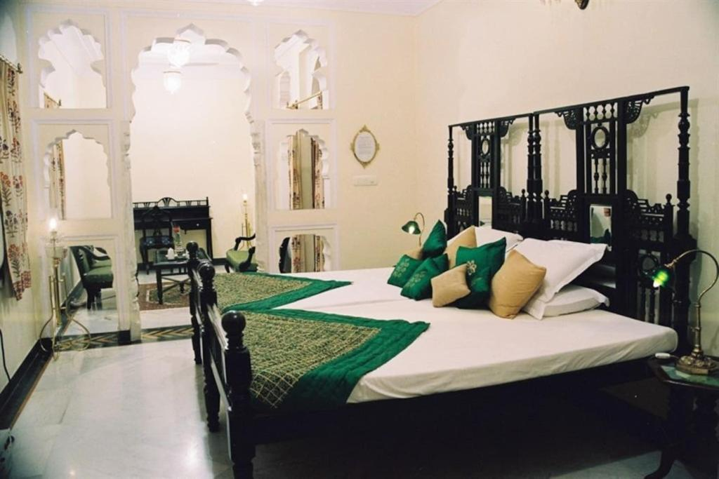 Deluxe Room - Bed Shahpura House