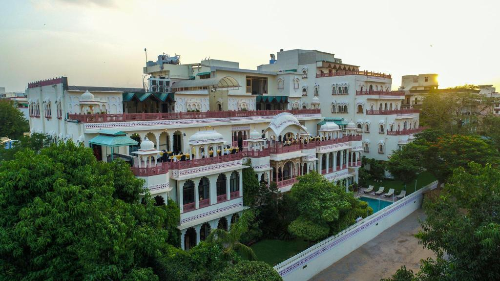 More about Shahpura House