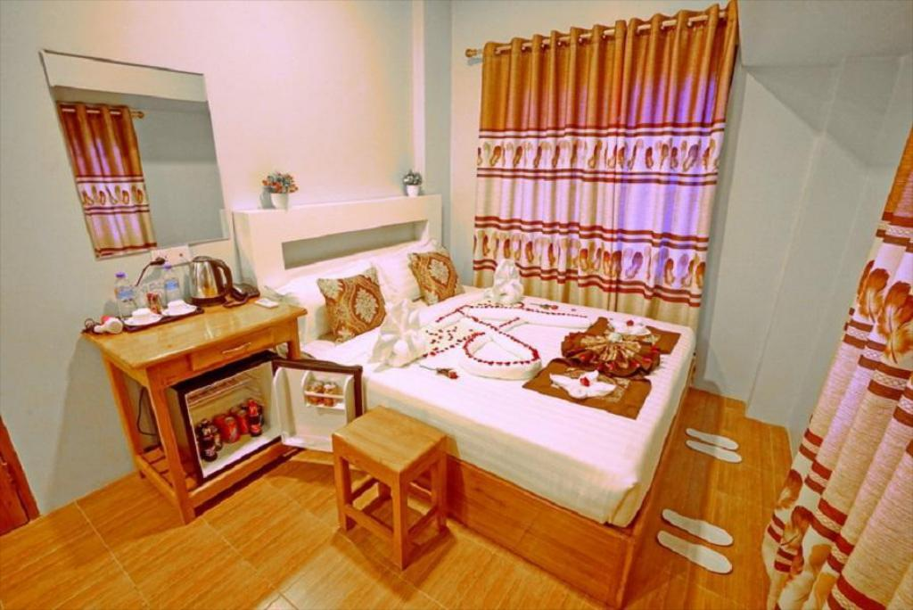 Hotel Aurora In Mandalay Room Deals Photos Reviews