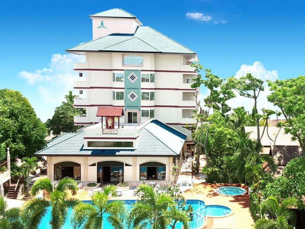 Best Price on Diana Garden Resort in Pattaya + Reviews!