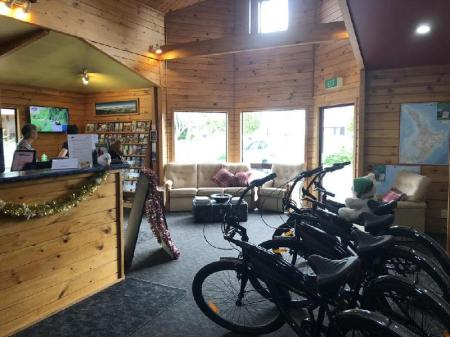 Best Price on The Backyard Inn in Rotorua + Reviews!