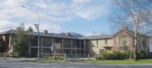 Tussock Peak Motor Lodge