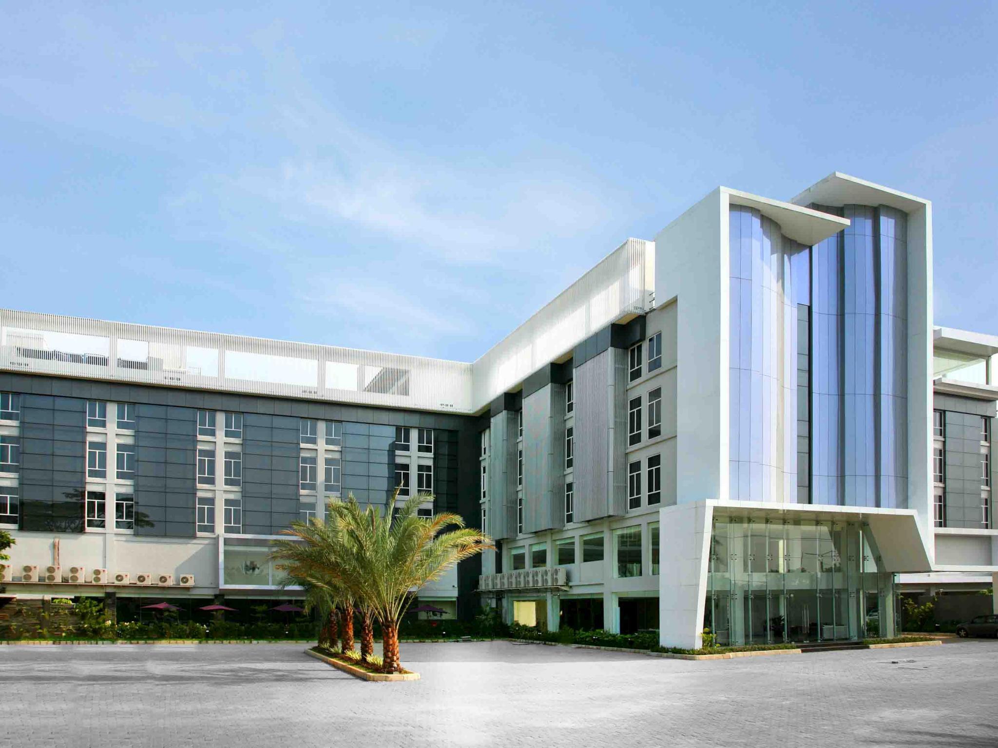 yasmin hotel karawaci in tangerang room deals photos reviews rh agoda com no telp klinik siloam karawaci no telepon rs siloam karawaci tangerang