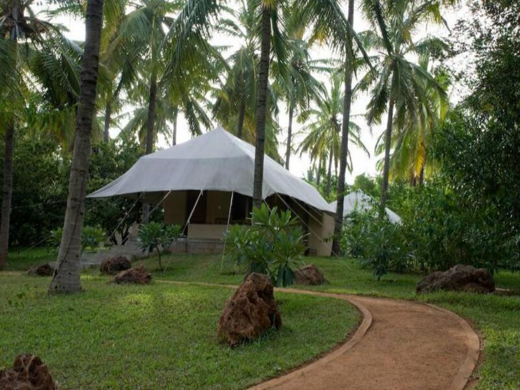 Tent Shreyas Yoga Retreats