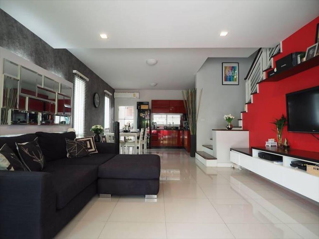 Vista aérea Modern Townhome, 10min/AIRPORT TRAIN& NIGHT MARKET
