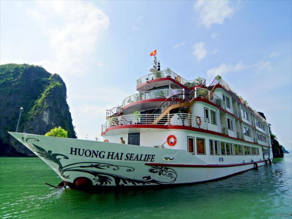 More about Huong Hai Sealife Cruise