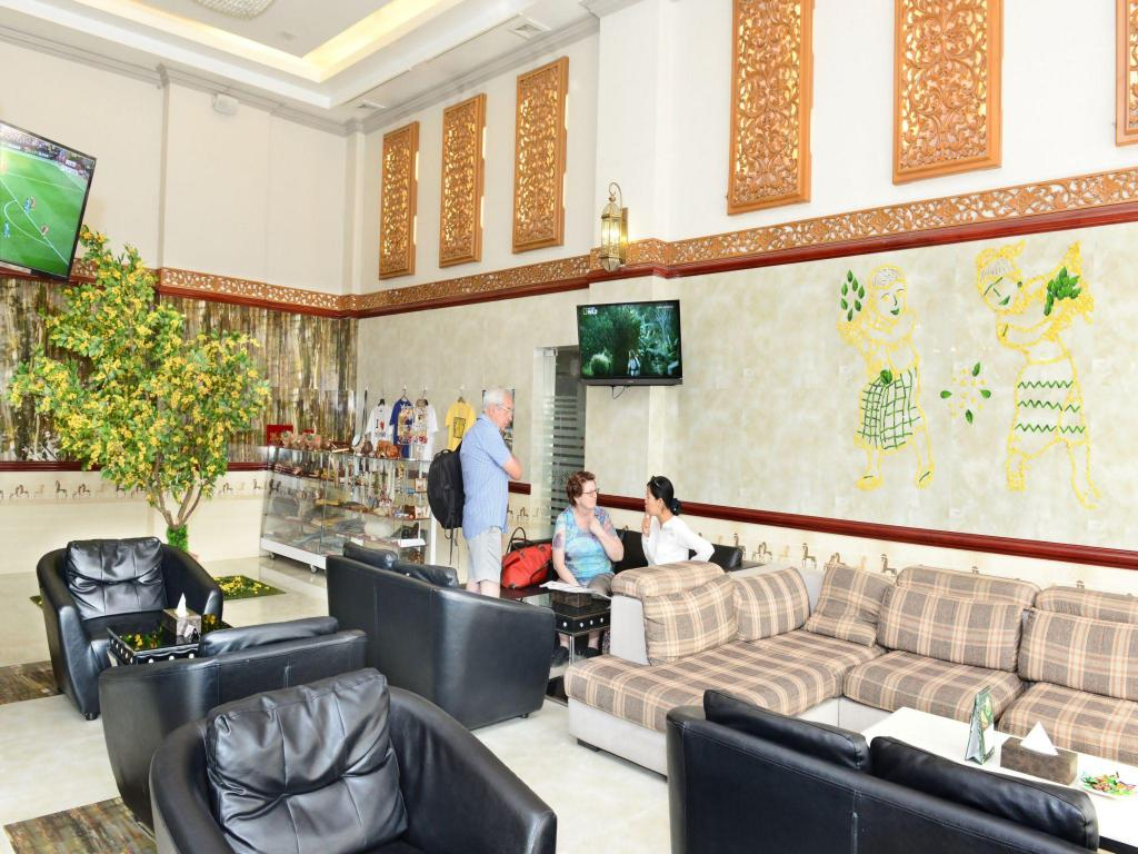 Empfangshalle Hotel Grand United Ahlone Branch