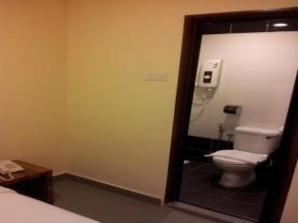 Bathroom GP Guest House @ Gelang Patah