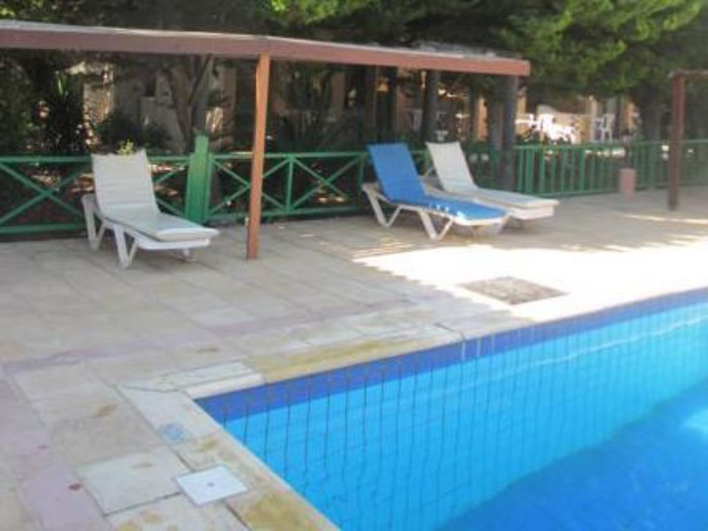 Schwimmbad Anastasia Holiday Apartments