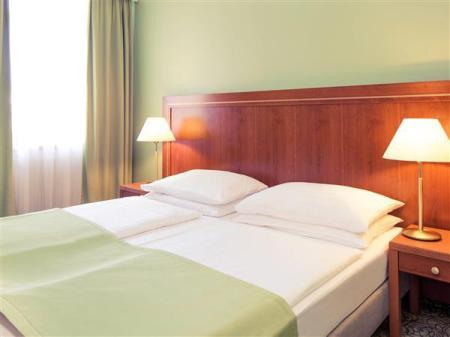 Standard with 2 Single Beds Mercure Wien Westbahnhof Hotel