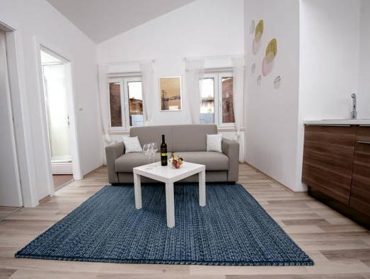 1 Schlafzimmer Apartment mit Meerblick (One-Bedroom Apartment with Sea View)