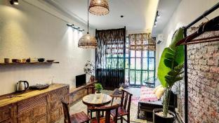 SilverLining04 - Charming Studio in Hanoi Centre