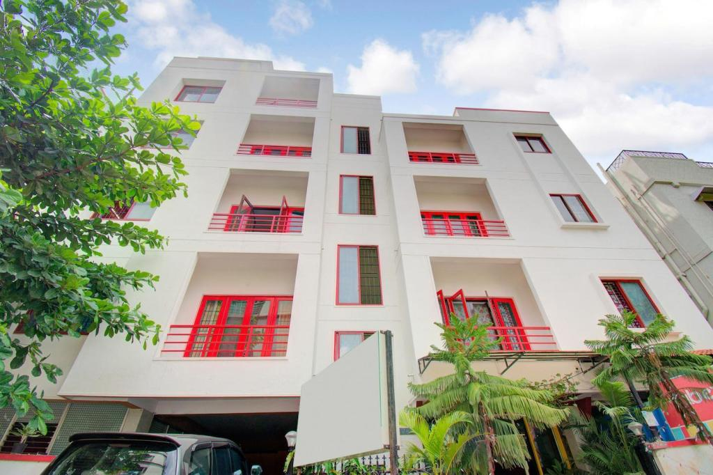 OYO 4606 Hotel Maple Green Suites