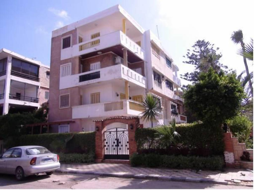 Maamoura Beach Family Apartment 3