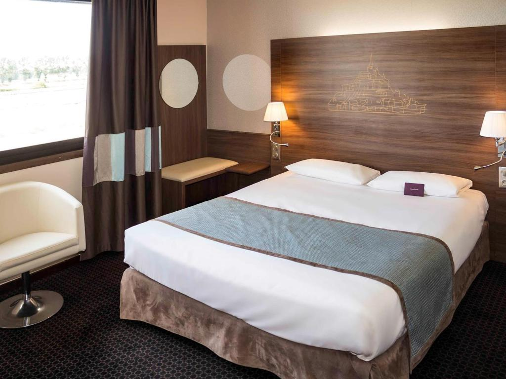 Standard Room with 1 double bed - Bed Hotel Mercure Mont Saint Michel