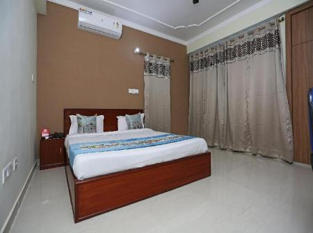 Classic Double or Twin - Bedroom OYO 10456 A R Residency