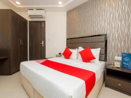 Classic Double or Twin - Bed OYO 8690 Hotel Kalpana Elite