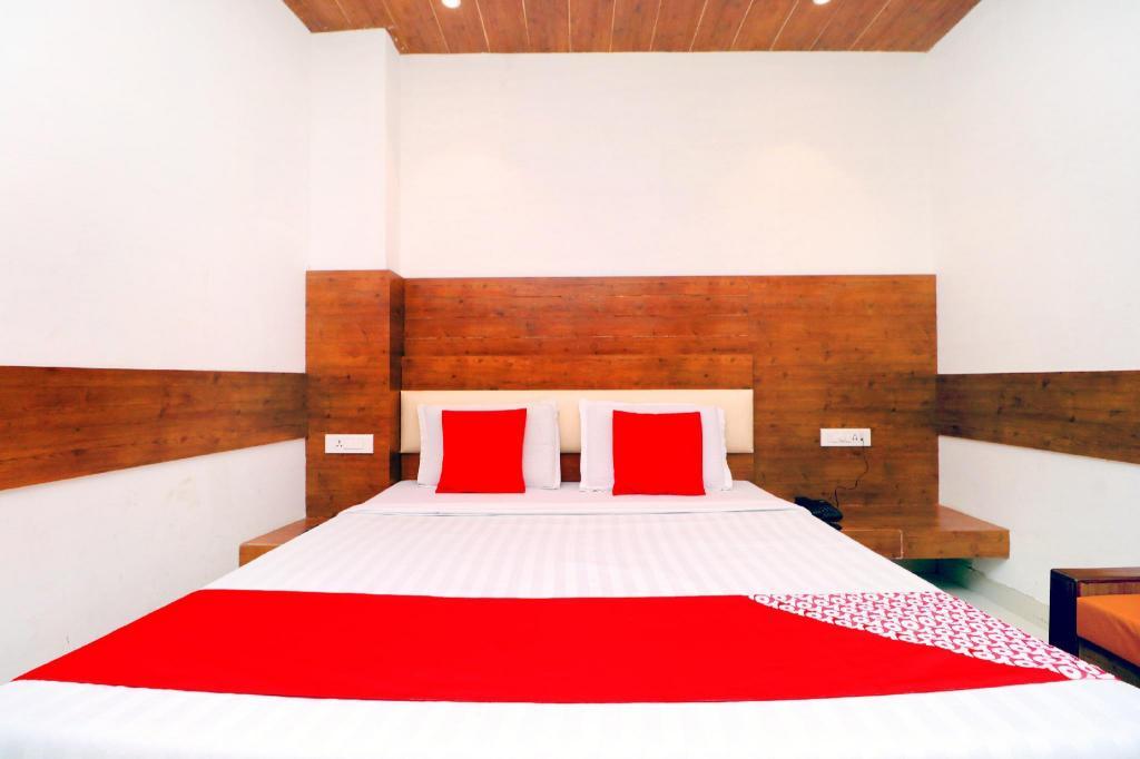 Oyo 3131 Hotel Br Inn In Bathinda