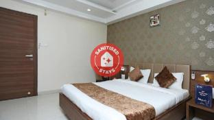 Capital O 8650 Hotel Johri Residency