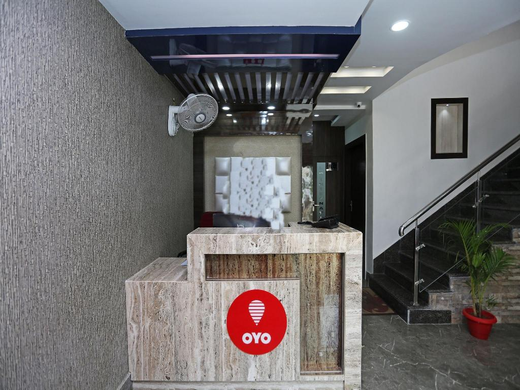 Lobby OYO 6709 Hotel L N International