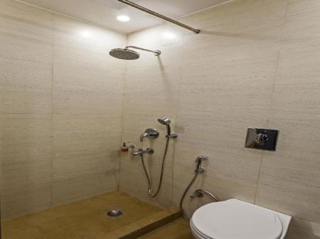 Bathroom OYO Townhouse 010 East of Kailash