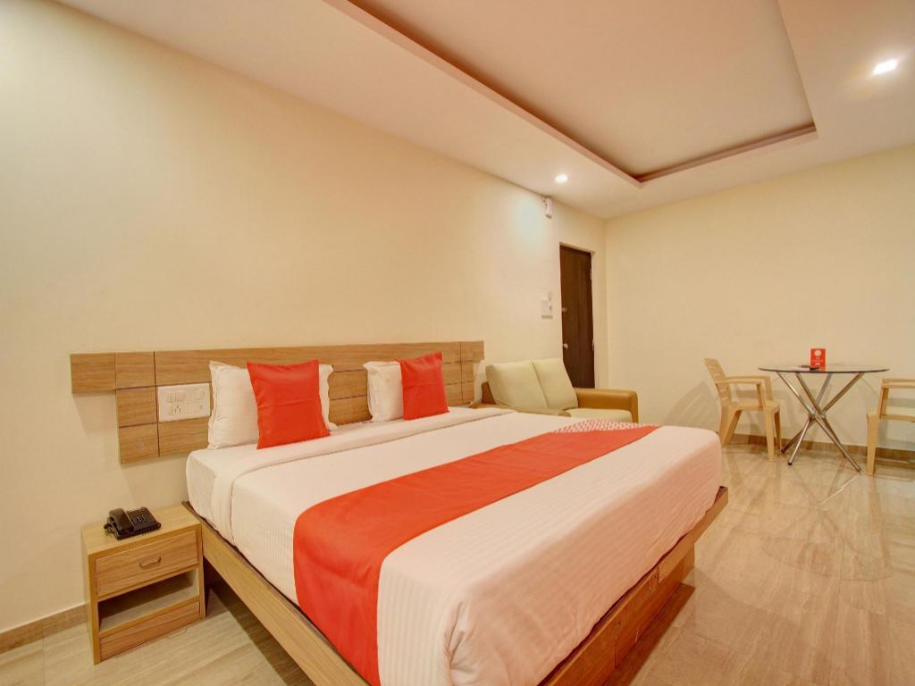 OYO 2183 Hotel Fortune City, Bangalore, India - Photos, Room