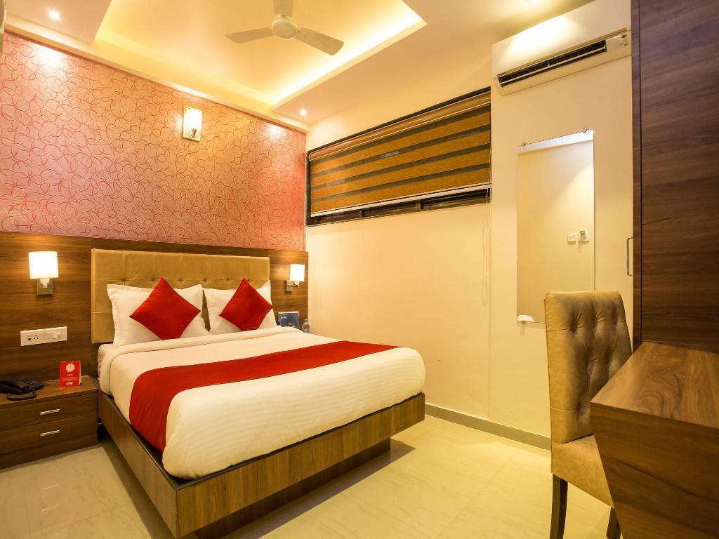 OYO 7154 Hotel Highland Residency in Mumbai - Room Deals