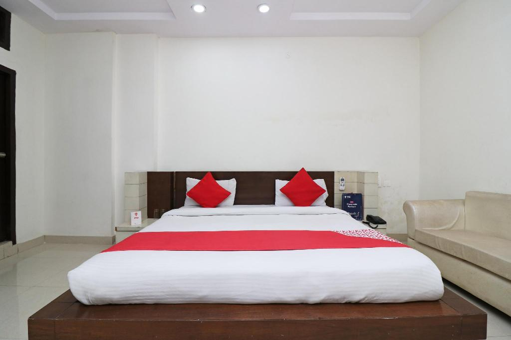 Classic tweepersoons- of twinkamer (2 aparte bedden) - Bed OYO 9565 Hotel New Shiv Murti