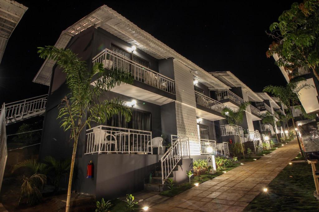 OYO Townhouse 031 Ashvem Beach, Goa, India - Photos, Room