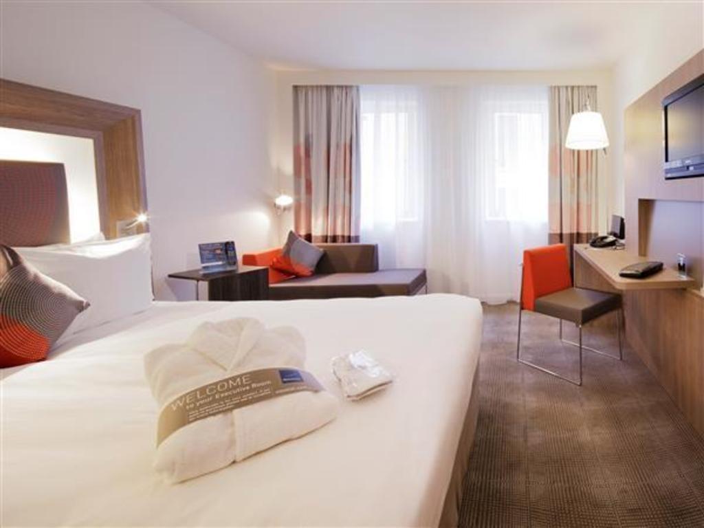 Novotel paris gare de lyon hotel in france room deals - Chambre d hote paris gare de lyon ...