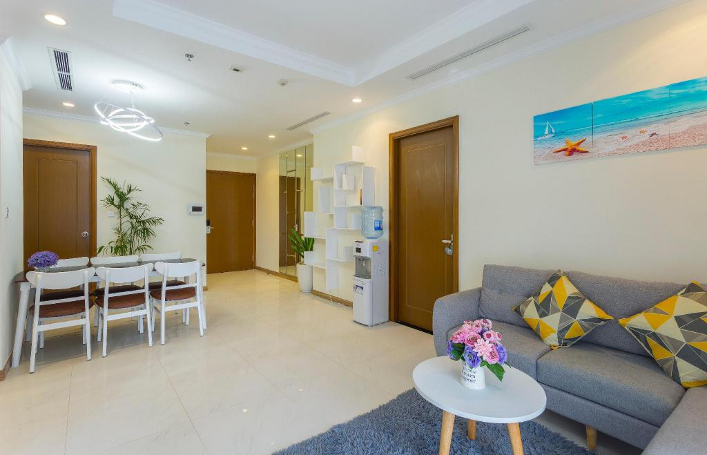 97m2 3 slaapkamer, 2 privé badkamer Appartement in Binh Thanh (Cactus' Home-A NEW 3 BRs  in Vinhomes Central Park)