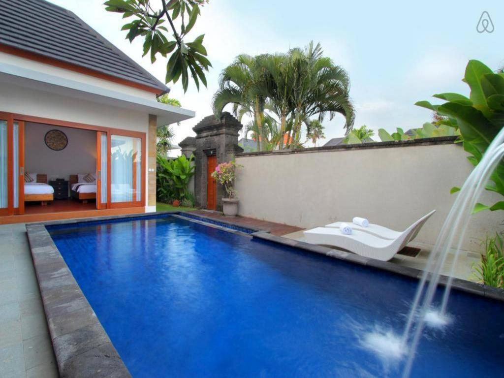 Плувен басейн 2 BDR Luxury Villas in Seminyak Area