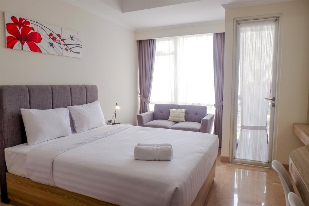 28m² studio Appartement, met 1 privé badkamer in Menteng (New Furnished Studio Menteng Park Apt By Travelio)