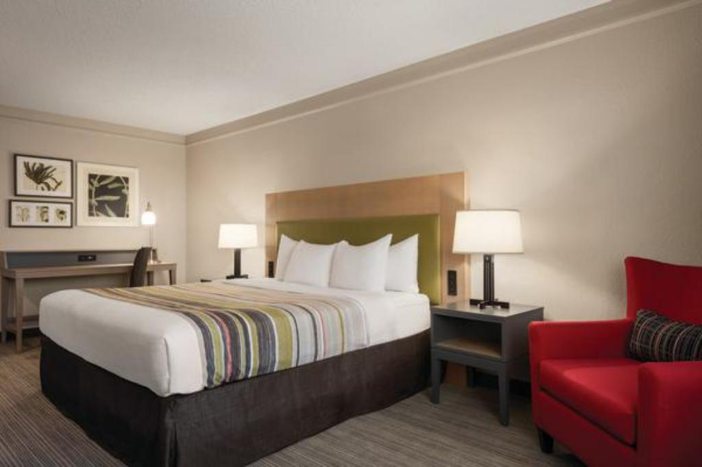 King Bed Non-Smoking - Guestroom Country Inn & Suites by Radisson, Hoffman Estates, IL