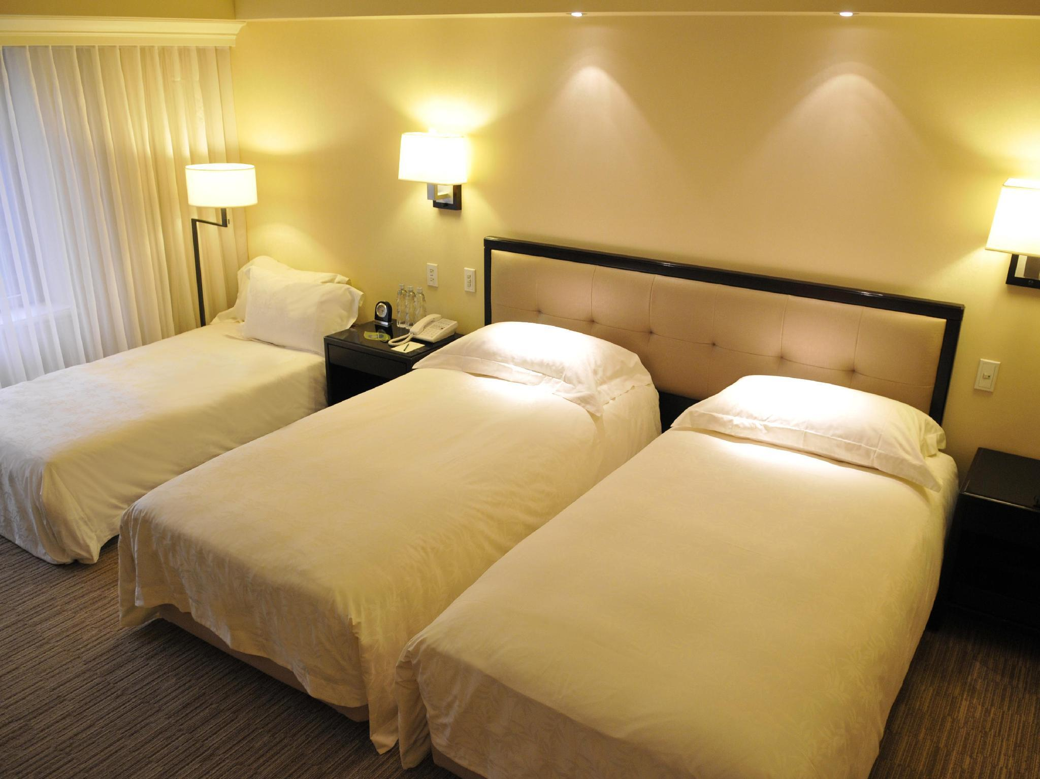Executive Twin Room with Extra Bed - Non-Smoking