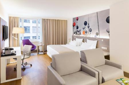 Junior Suite - Guestroom NH Collection Berlin Mitte am Checkpoint Charlie