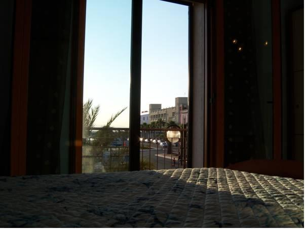 Doppelzimmer mit Balkon and Meerblick (Double Room with Balcony and Sea View)