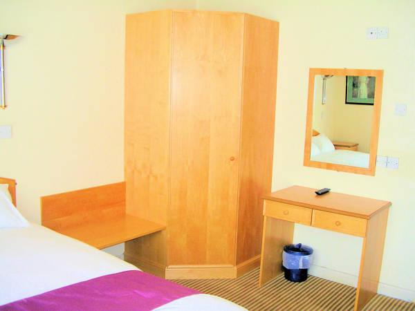 Habitació Estàndard Doble amb bany privat (Standard Double Room with Private Bathroom)