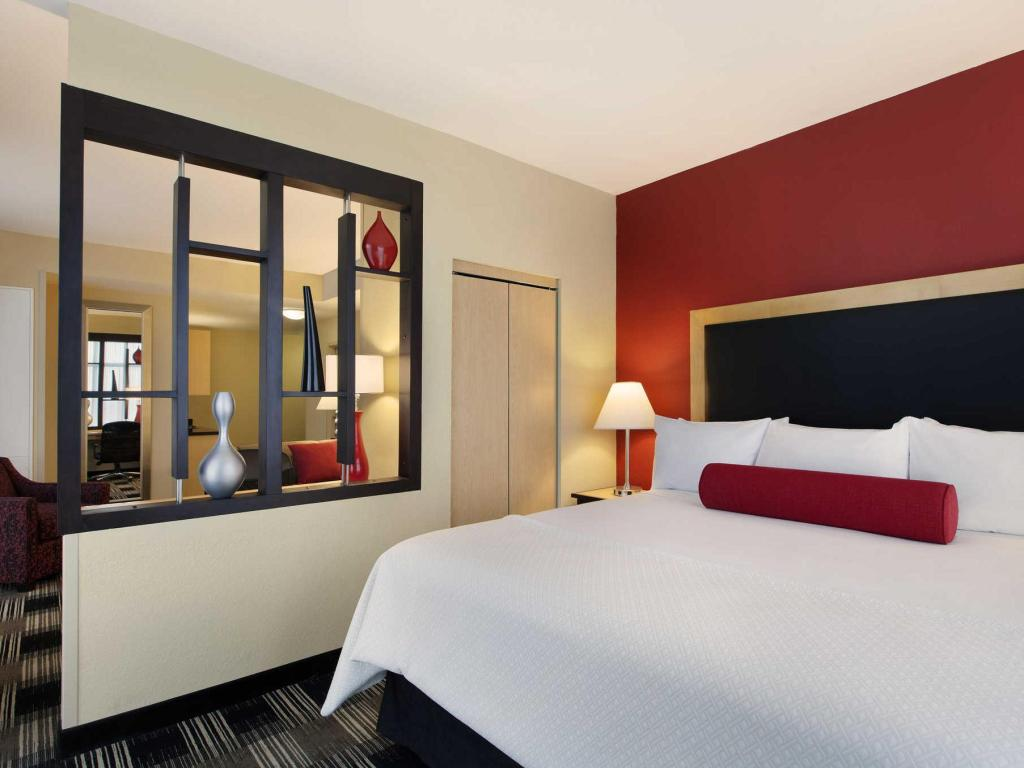 Standard with 1 King Bed - Guestroom Cambria hotel & suites Miami Airport - Blue Lagoon